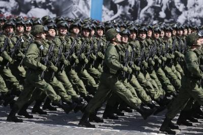 """Росія планує витратити на армію та """"силовиків"""" третину бюджету"""