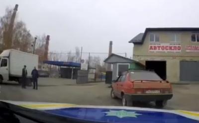 У Чернівцях поліція влаштувала погоню, щоб затримати водія з психічними розладами - відео