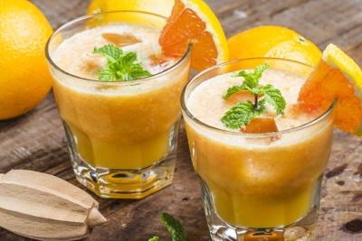 П'ять причин пити апельсиновий сік щодня