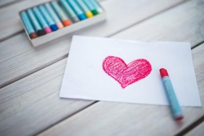 Психолог дав незвичайне пояснення коханню