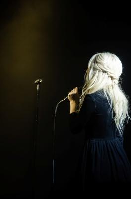 Vivienne Mort дала концерт у Чернівцях: співачку не хотіли відпускати зі сцени