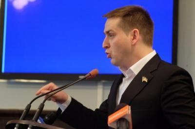 У Чернівцях чиновник нецензурно облаяв користувача Facebook - відео