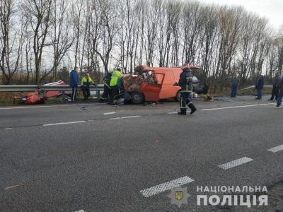 Моторошна ДТП із бензовозом на трасі Київ-Чоп: троє загиблих - фото