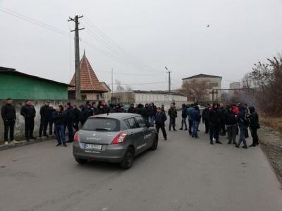 В Івано-Франківську водії заблокували митницю - в хід пішли шини