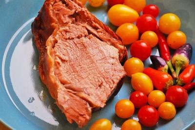 Рецепт ситної вечері: теляча корейка в духовці