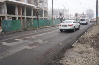 Асфальт за 22 мільйони: як ремонтують вулицю Героїв Майдану в Чернівцях