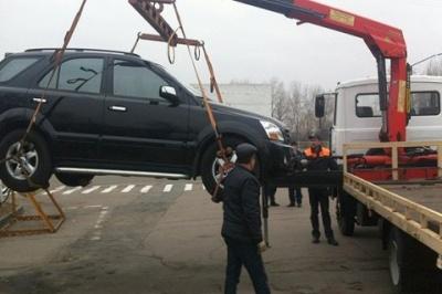 Уряд затвердив порядок тимчасового затримання транспорту інспекторами з паркування