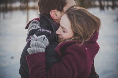 Як зрозуміти, що ви подобаєтеся чоловікові: п'ять головних ознак