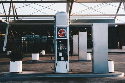 В Україні будуть знижуватися ціни на бензин — експерти