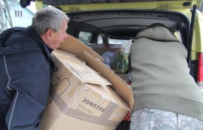 Волонтери з Буковини відправили гуманітарну допомогу військовим і дітям в Маріуполь - фото