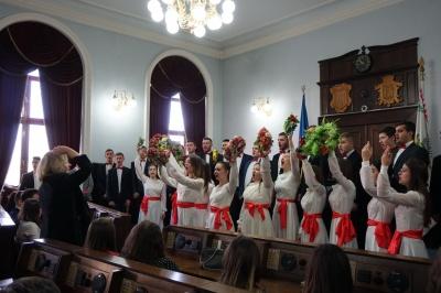 У ратуші нагородили кращих студентів Чернівців - фото