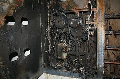 У Чернівцях у під'їзді загорілась електрощитова