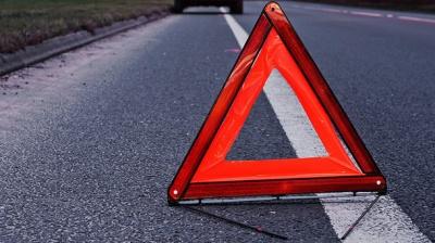 На Буковині водій Skoda збив пішохода: потерпілого госпіталізували