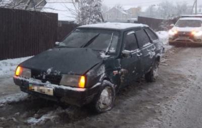 На Буковині «Лада» знесла електроопору, що була збита два тижні тому - фото