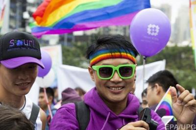 У Китаї письменниця описала в книзі сцену сексу геїв: її засудили до в'язниці