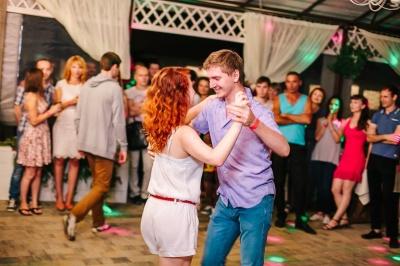 У Чернівцях усіх бажаючих вчитимуть танцювати сальсу