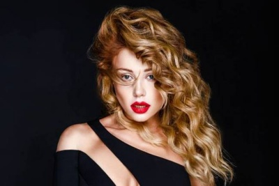 «Дуже сексуально»: Тіна Кароль спокусила мережу відвертим знімком