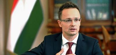 Угорський прем'єр вважає законною видачу паспортів українцям Закарпаття