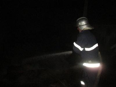 На Буковині через жаринку з печі ледь не згорів будинок