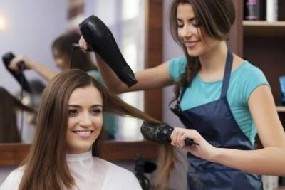 З економістів на кондитерів та перукарів: на Буковині перевчили понад три  тисячі безробітніх