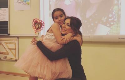 Співачка з Буковини обурила мережу поздоровленням з Днем матері