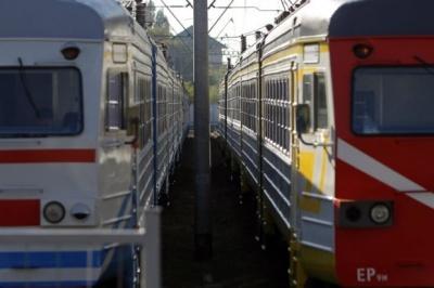 Підлітка вдарило струмом на товарному вагоні потяга