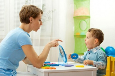 Як  допомогти дитині почати говорити: поради психолога