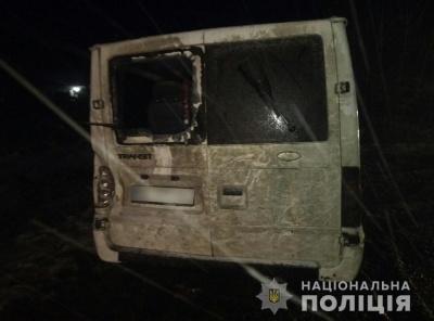 На Буковині мікроавтобус злетів з траси у кювет: постраждав пасажир