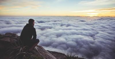 Чому не можна відкладати життя на потім: відповідь психолога