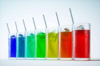 Краще відмовитись: фахівці назвали найнебезпечніші напої