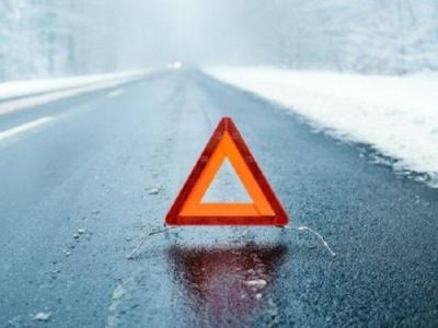 Негода на Буковині: рятувальники попереджають про ожеледицю на дорогах