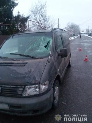 У Чернівцях мікроавтобус збив школяра: дитину госпіталізували