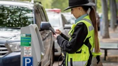 У Чернівцях можуть з'явитися інспектори з паркування, які штрафуватимуть водіїв