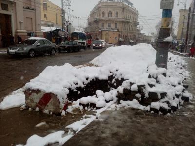 Болото по коліна: на що перетворилися вулиці Чернівців. Блог Людмили Осадчук.