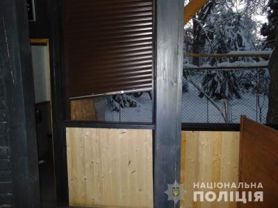 У Чернівцях злодій викрав із кафе кухонно-побутове приладдя