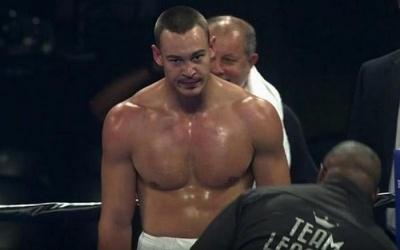 Боксер з Буковини здобув перемогу на профі-ринзі