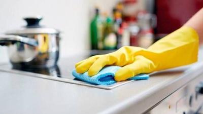 Як прибрати на кухні сліди від жиру за допомогою натуральних засобів: ефективні способи