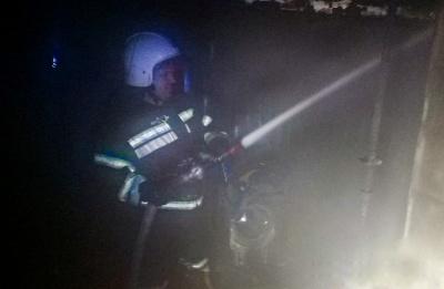 У Чернівецькій області ледь не згорів будинок: вогонь знищив побутову техніку