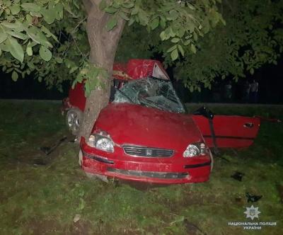 Смертельна ДТП: у Чернівцях заарештували молодика, який на «євроблясі» протаранив дерево