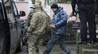 Захопленим морякам дадуть по 100 тисяч гривень – Кабмін