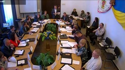 У Чернівцях міськрада заборонила головуючому виконкому перебивати виступи інших людей