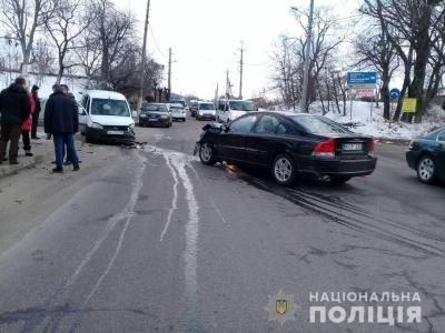 У поліції розповіли деталі подвійного зіткнення на Хотинській
