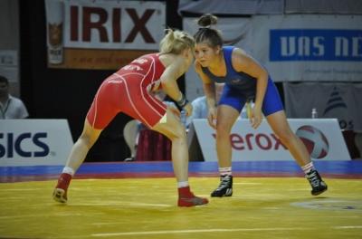 Вільна боротьба: дівчина з Буковини стала срібною призеркою кубку України