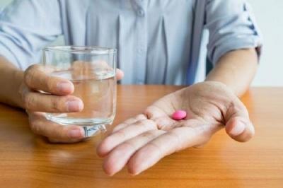 Чим не можна запивати ліки: поради фахівців