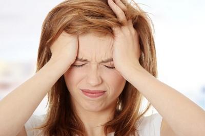 Чому болить голова в потилиці та інших точках: причини і поради
