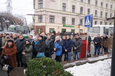 У центрі Чернівців попрощалися із Сергієм Проданюком, який загинув на фронті - фото