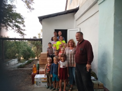 Як живуть українці в областях, де запровадили воєнний стан