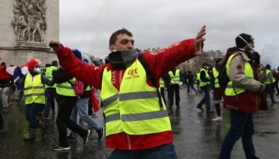 """У Франції під час протестів """"жовтих жилетів"""" поранено 118 осіб"""
