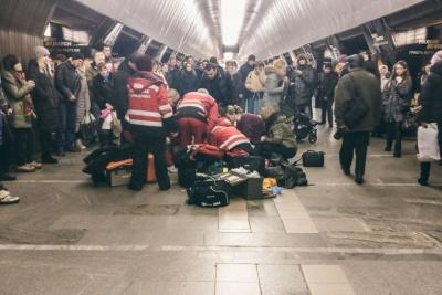 У київському метро померла 9-річна дівчинка