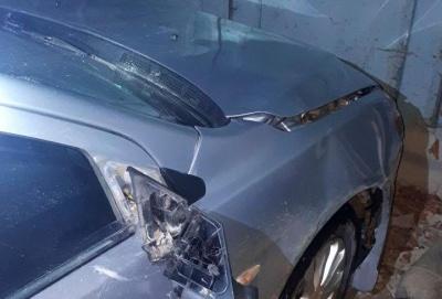 На Буковині п'яний водій збив двох пішоходів: потерпілих госпіталізували